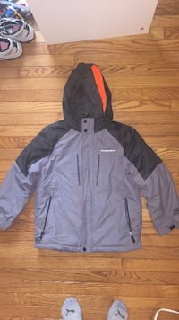 Boys winter jacket size 10-12  Fairfax, 22032