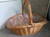large volume wicker basket hamper with handle Toronto, M1C