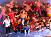 assorted-character WWE action figure collection Courtice, L1E
