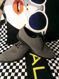pair of gray derby shoes Montreal, H4N