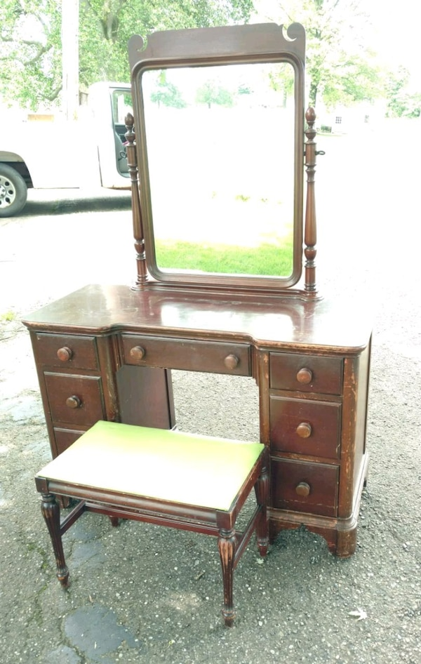 Peachy Vintage Vanity With Mirror And Bench Ibusinesslaw Wood Chair Design Ideas Ibusinesslaworg
