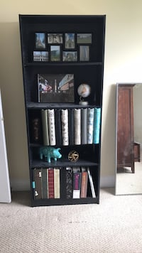 Bookcase NOTHING on shelves Chestermere, T1X 1J1