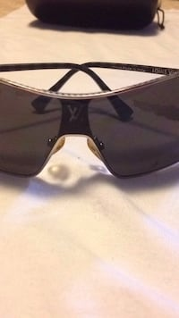 Louis Vuitton silvertone sunglasses Surrey, V3R 6N7