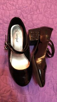 pair of black leather heels Mission, 78573