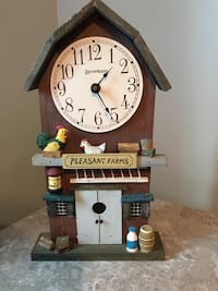 Collectible Spooniques Wooden Clock