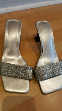size 9 ladies sandal $17  each pair or best price  Toronto, M1E 4Z2