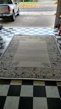 Area rug, approx 8x12