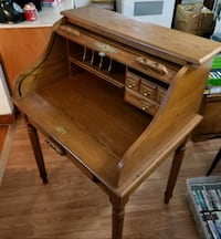 Antique Coaster roll top solid oak desk. Winchester, 22602