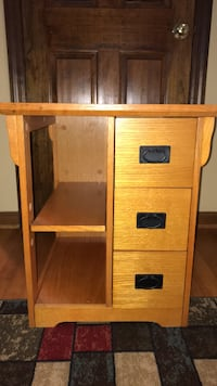 Brown wooden 4-drawer chest Mount Airy