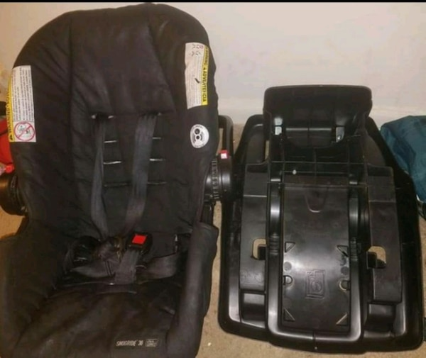 Graco infant carseat and base