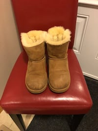 Bailey Bow Uggs St Catharines, L2R 7E8