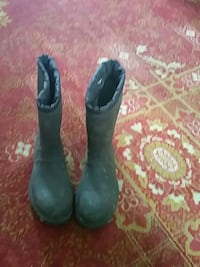 pair of black leather boots Nanaimo, V9X 1L5