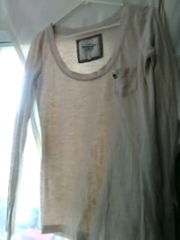 Abercrombie and Fitch long sleeve shirt London, N5Y 2A4
