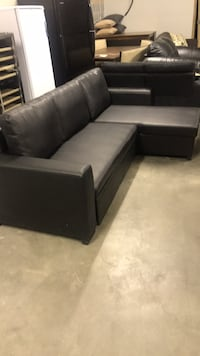 Little black sectional (small damage on back) Albuquerque, 87107