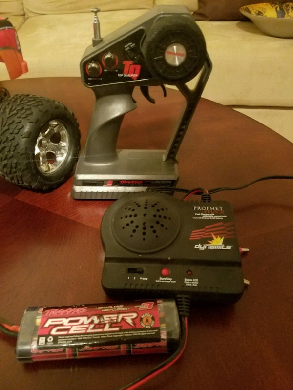Traxxas Stampede 2wd 1/10 scale RC truck 8309fe11-c83c-4387-9d83-549519e97286