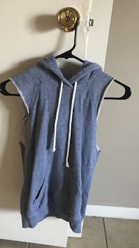 Faded blue and white pullover sleeveless hoodie Lakeland