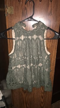 Green lace turtleneck tank top size small