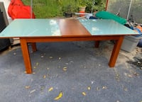 Tempered glass dining room table  Warwick, 10990