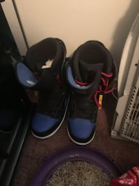 Snowboard and size 9.5 boots. Comes with goggles also Penns Grove, 08069