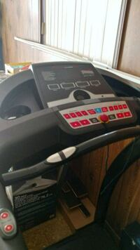 Amazing condition treadmill 400 o.b.o  Toronto, M3M