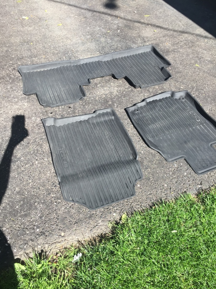 2014 CR-V floor mat all weather format - Barrie