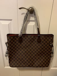 Louis Vuitton neverful  Stoney Creek, L8E 4P7