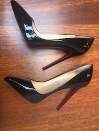 Christian Louboutin 39 Paris, 75008