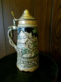 white and green ceramic beer stein Chicago, 60619