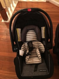 Baby's black and gray car seat carrier Centreville, 20120