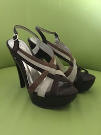 pair of women's brown leather sandals Myrtle Beach, 29588
