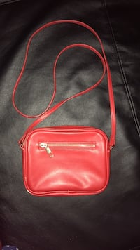 red leather crossbody bag with silver chain link Parkville, 21234