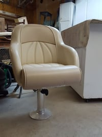 white leather padded rolling armchair Hampton, 23666