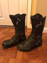 Pair of black snowboard boots Woodbridge, 22193