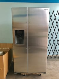 "Wow, What a Deal! Samsung 24.5 Cu. Ft. Stainless Steel Refrigerator (Approx 69""H x 36""W x 32""D) Carrollton, 75007"