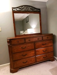 Dresser with large mirror Frederick, 21703