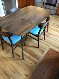 Dining Table and Chairs Hoboken, 07030