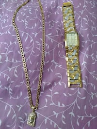 gold link chain necklace with lobster lock West Palm Beach, 33401