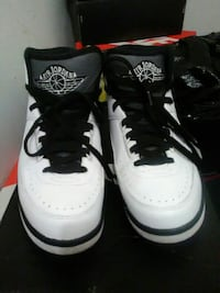 pair of white-and-black Air Jordan basketball shoe Dumfries, 22026