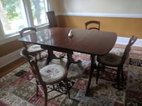 dining room table and free chairs Louisville