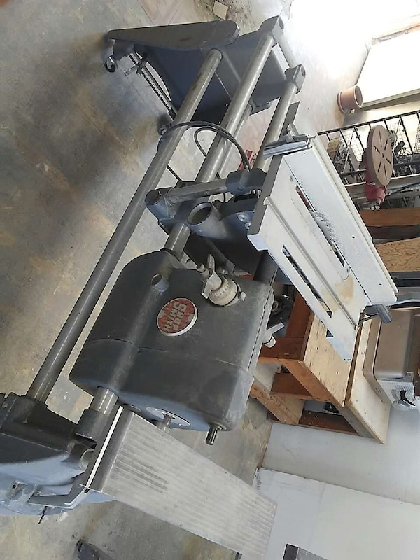 black and grey table saw