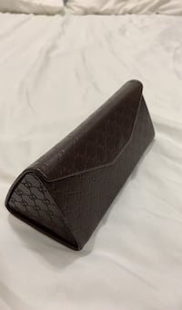Gucci trifold sunglasses case