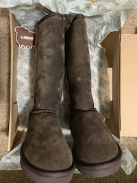 NEW Size 6 Mid-Calf Fleece Boots Roseville