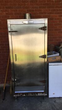 Stainless steel gas smoker(needs a little work) Covington, 70433