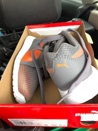 pair of gray Nike running shoes in box Montréal, H3S 1E2