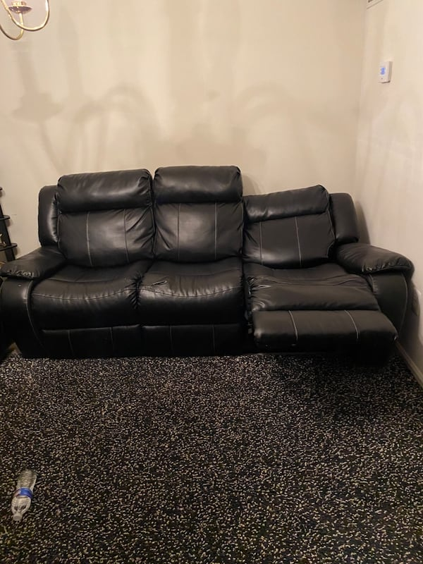 Sofa leather 05d076f8-2be4-454b-8459-8a25b4b7c432