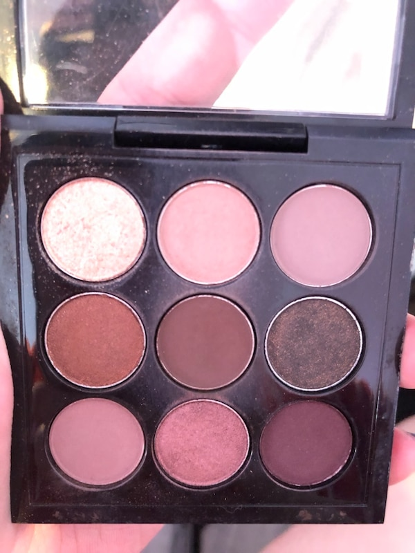 Mac eyeshadow 2f789a53-c772-47ab-bb0c-6c0852c7d5e1