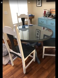 wood table with   4 chairs Las Vegas, 89139