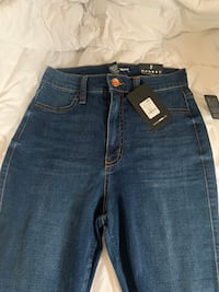 Size 5 high rise fashionnova skinny jeans Owings Mills, 21117