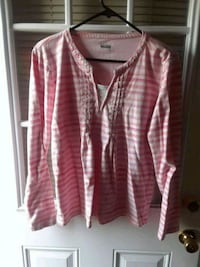 pink and white v-neck long-sleeved shirt Winchester, 22602