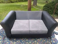 gray and black fabric loveseat Forestville, 20747